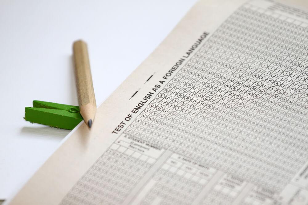 海外の大学に進学する時に必要な TOEFL iBTの点数って?